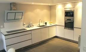 cuisine beige et bois decoration cuisine faaence cuisine faience carrelage cuisine