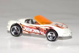 hotwheels corvette 2004 wheels track aces corvette stingray iii white die