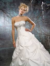 budget wedding dresses uk discount wedding gowns the wedding specialiststhe wedding