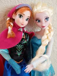 film elsa i anna the disney store s anna and elsa from the movie frozen a