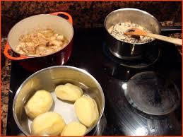par quoi remplacer le vin jaune en cuisine recette franc comtoise de poulet au vin jaune du jura