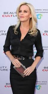 does jenny mccarthy have hair extensions with her bob jenny mccarthy hair google search haircut ideas pinterest