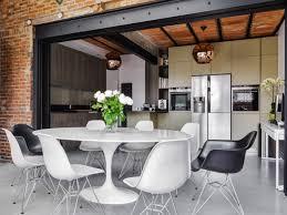 cuisine maison bourgeoise une maison bourgeoise dévoile sa industrielle cachée