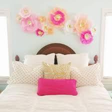fleurs dans une chambre fabriquer une fleur en papier de soie 67 idées diy remarquables