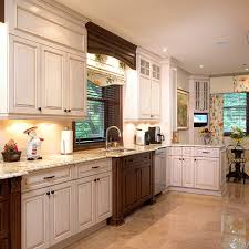 couleur d armoire de cuisine cuisines beauregard cuisine réalisation 163 cuisine avec
