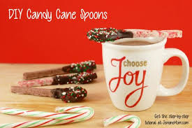 diy candy cane spoons a gift they u0027ll love jennifer maker