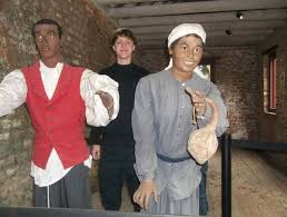 dylann roof dylann roof posing in a slave cabin at boone hall plantation in mt