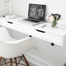petit meuble de bureau bureau suspendu un petit meuble et plein de fonctionnalité