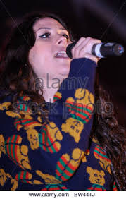 eliza doolittle performs at the cheshire oaks christmas lights