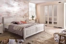 Schlafzimmer Braunes Bett Schlafzimmer Landhausstil Modern Mobelplatz Com