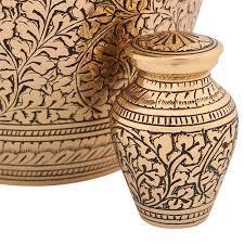 keepsake urns best 25 keepsake urns ideas on pet cremation services
