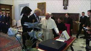 trump pope francis president trump pope francis exchange gifts cnn video