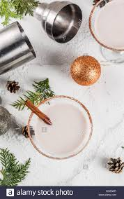 martini eggnog cinnamon shaker stock photos u0026 cinnamon shaker stock images alamy