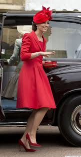 thanksgiving 2011 canada kate middleton recycles catherine walker look from 2011 canadian