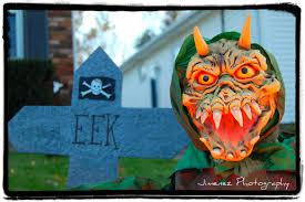 Homemade Animatronic Halloween Props by Preparing For Halloween 2012 Nikitaland