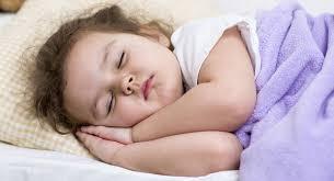 mama dormida mientras que su hijo se la coge hábitos al dormir roncar golpearse la cabeza y otros babycenter