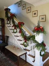 Decoration Staircase Christmas by Best 25 Christmas Staircase Ideas On Pinterest Christmas