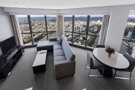 2 Bedroom Accommodation Adelaide 2 Bedroom Altitude Suite Adelaide Street Brisbane Meriton Suites