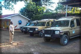hatari jeep logistik tanganyika safari tanzania