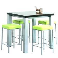 table haute avec tabouret pour cuisine table de cuisine avec rangement integre superbe table haute et