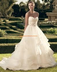 brautkleider mit schleppe casablanca designe ausgefallene romantische brautkleider aus
