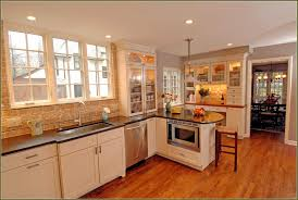 kitchen paint ideas with maple cabinets kitchen paint colors with maple cabinets 2018 also color ideas