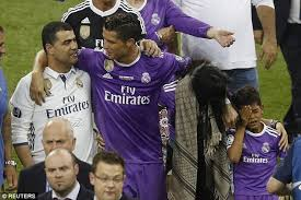 cristiano ronaldo celebrates win with a new haircut daily mail