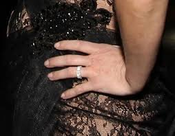 reese witherspoon engagement ring reese witherspoon s wedding ring let s all squint and see if we