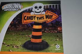 halloween gemmy 3 5 ft skeleton candy this way sign lighted