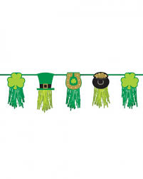 st patricks day garland with motif 2 43m as a party decoration
