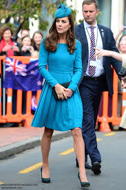 duchess kate duchess kate recycles emilia wickstead dress duchess kate kate in a very familiar emilia wickstead piece for