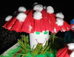 bricolage noel avec rouleau papier toilette champignons en coquillage et rouleau de papier wc la maison féerique