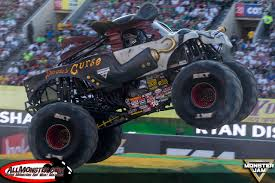 zombie monster jam truck scott liddycoat and dragon win young guns shootout monster jam