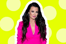 kyle richards needs to cut her hair real housewives kyle richards gets short hair cut photos lookbook