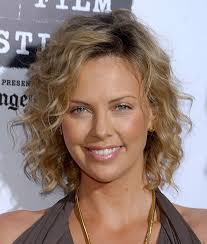 hairstyles that can be worn curly best 25 thin curly hair ideas on pinterest bobs for curly hair