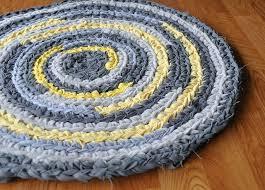 Crochet Rugs With Fabric Strips 272 Best Hooked Rugs Diy Images On Pinterest Diy Rugs Rag Rugs