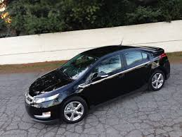 nissan leaf vs chevy volt how bad were the nissan and gm electric car sales shortfalls