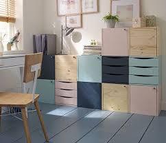 image de bureau extension de bureau quelques casiers en bois peints dans des