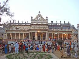 here is a list of top 10 affluent temples of india with an annual