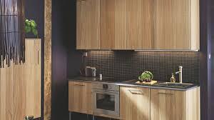 habillage mur cuisine revêtement cuisine sol murs crédence carrelage béton ciré