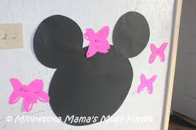 diy minnie mouse birthday party games pin the bow on minnie mouse