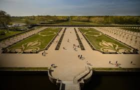 french formal gardens chambord castle