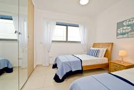 Home Improvement Ideas For Small Apartments Creative Small Apartment Bedroom Decorating Idea Inexpensive