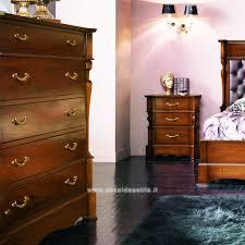 comodini e ã gruppo como e comodini colonne tornite mobili casa idea stile