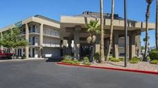 Comfort Suites Metro Center Comfort Suites At Metro Center Tourist Class Phoenix Az Hotels