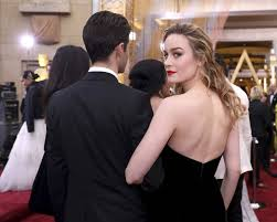brie larson casey affleck this is why brie larson didn t clap for casey affleck s best actor