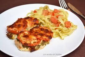 cuisiner des escalopes de poulet recette escalopes de poulet gratinées au pesto tomates et