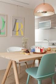 cuisine laqu馥 pretty pastel dining chairs dining chairs pendant lighting and lights