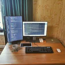 Top 96 Kick Home Office Setups by Best 25 Office Setup Ideas On Pinterest Small Office Spaces