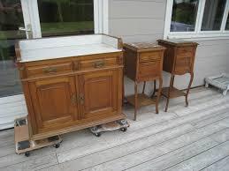 transformer un meuble ancien une table de toilette et ses 2 chevets anciens patines u0026 couleurs